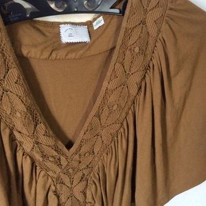 Anthropologie Tops - Anthropologie Postmark Lace Stretch Flowy Blouse